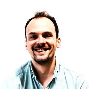 Dr. Nicolas Renaud